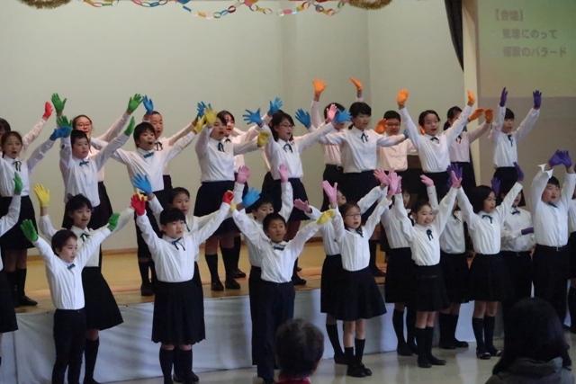 安茂里小学校合唱部の発表