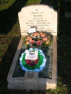 simon_grave_1