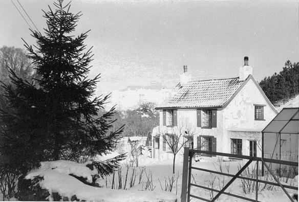0530 1963 Winter Rowberrow Toveys' House