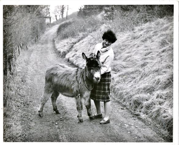 Doreen Tovey & Annabel (d) 1982
