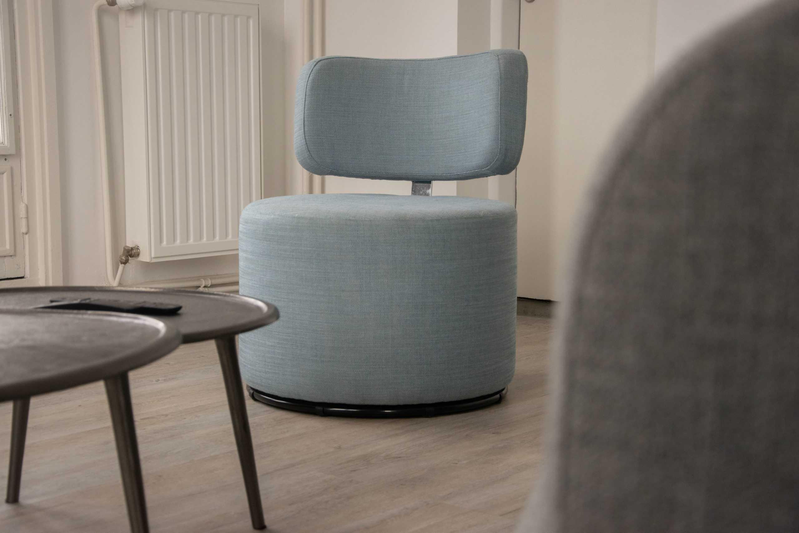 appartement_15eme_droite_tour_perret_amiens_tourisme_salon_fauteuil