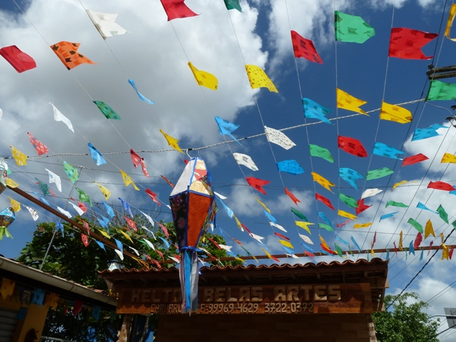 Balão e bandeiras de festa junina, Caruaru