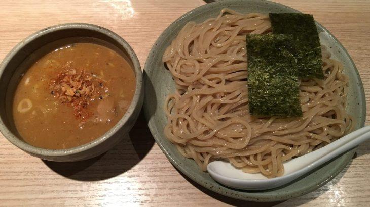梅が丘駅徒歩10分×「ボノボ」渡り蟹の身も浮かぶ濃厚ダシスープ『渡り蟹のつけ麺』