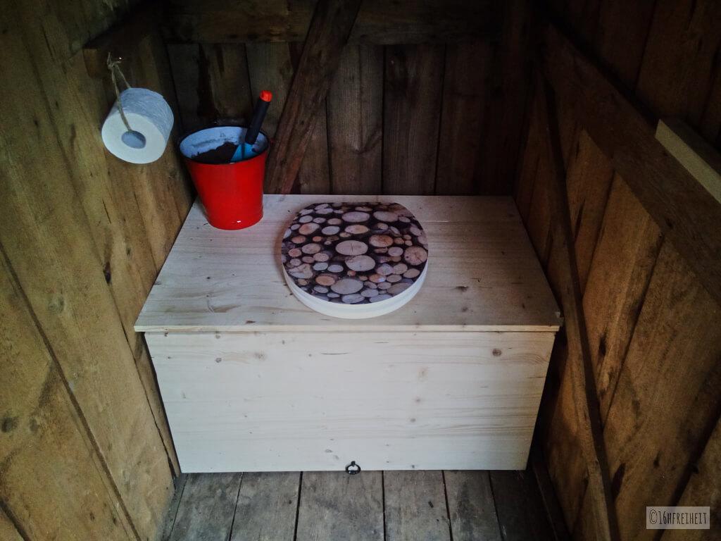 Wenn das stille Örtchen fehlt - Komposttoilette für den Garten selber bauen