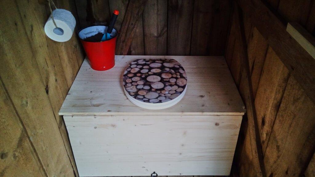 Komposttoilette für den Garten selber bauen_Toilette
