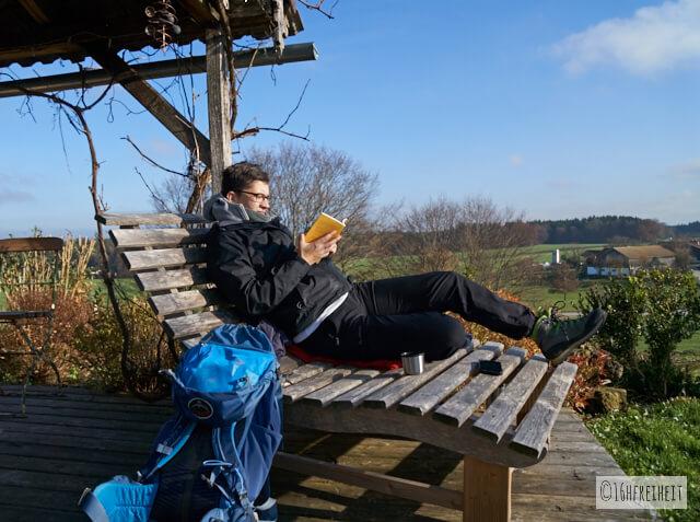 Bücherhütte_Güßhübel_ich_lesend