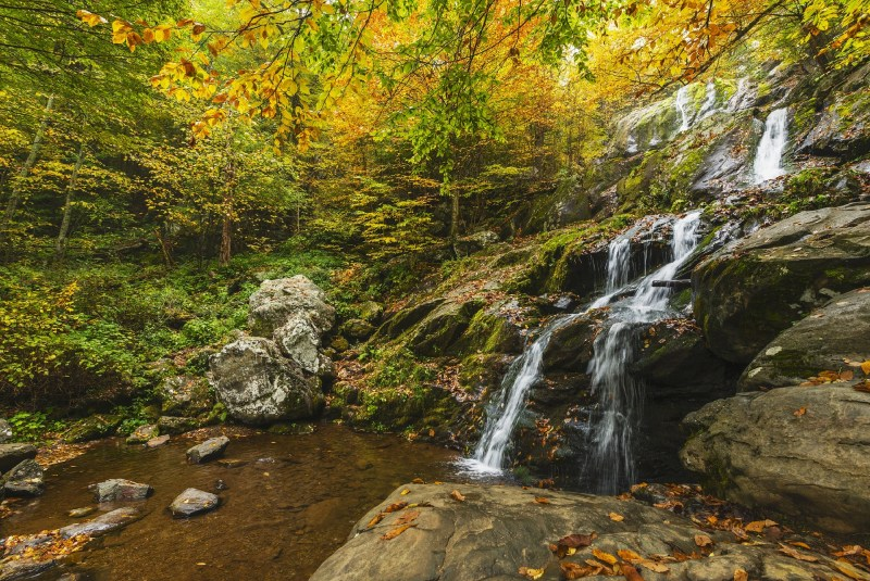 waterfall-1611337_1920.jpg