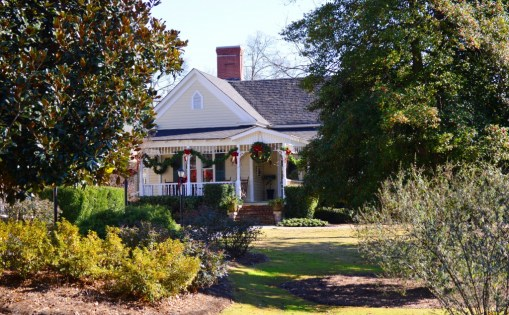 Another week of Great Holiday Parties! 173 Carlyle House Historic Downtown Norcross