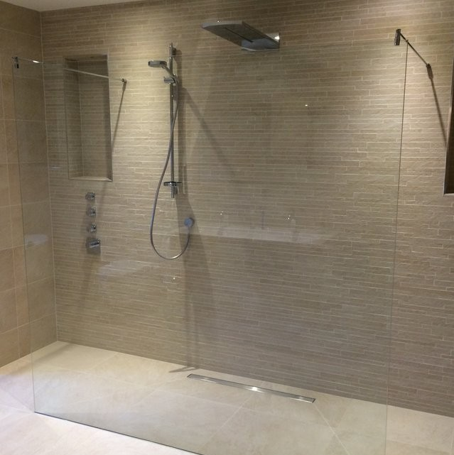 Get Walk In Glass Shower PNG
