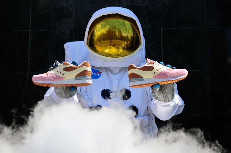 Saucony Shadow Master Space Snack x Extra Butter_01
