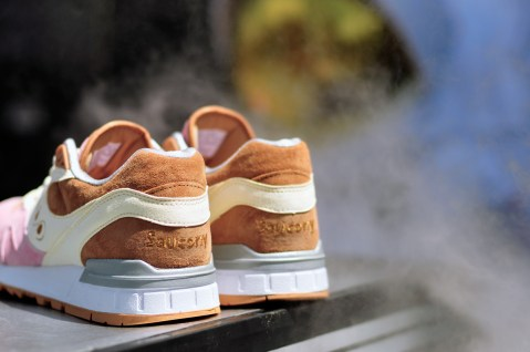 Saucony Shadow Master Space Snack x Extra Butter_04