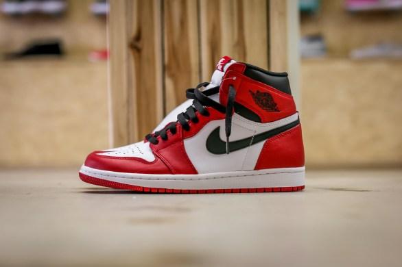 Air Jordan 1 Retro OG Chicago_08