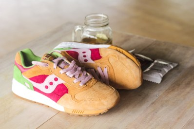 Saucony Shadow 5000 Burger x END_147