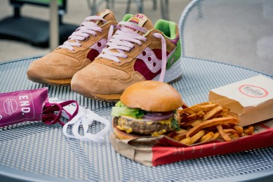 Saucony Shadow 5000 Burger x END_41