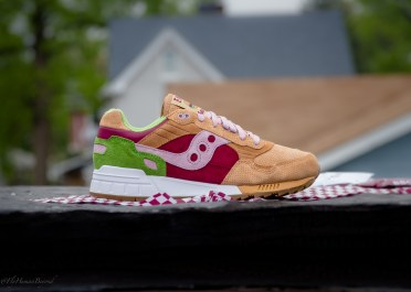 Saucony Shadow 5000 Burger x END_81