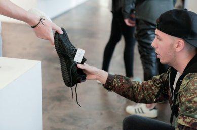 Adidas Yeezy Bost 350 Pirate Black_120