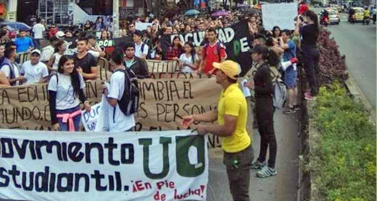 Manifestaciones de estudiantes y centrales obreras en Armenia