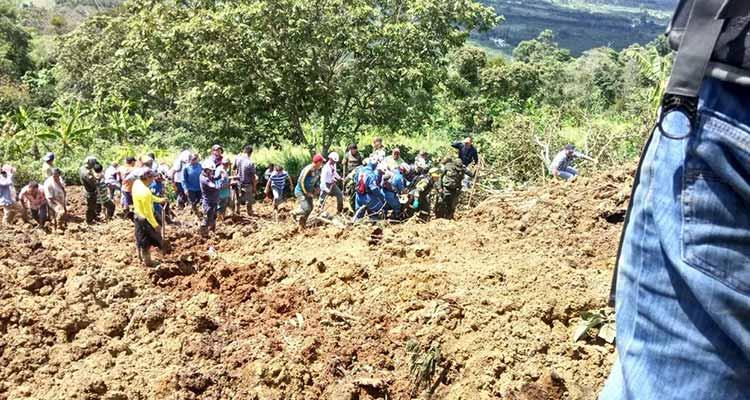 tragedia por alud de tierra en Calarcá