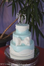 Tiffany blue cake with bow