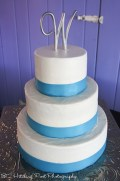 Tiffany blue ribbon on cake