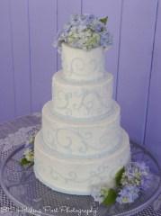 Carolina blue piping on wedding cake