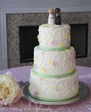 Pastels on wedding cake