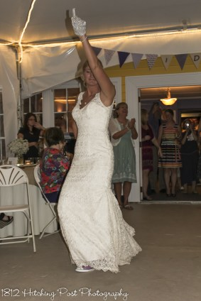 Bride dancing to Thriller