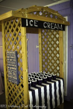 Ice cream stand with personalized mugs