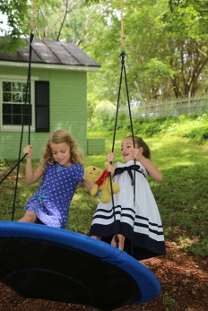 Saucer swing for kids