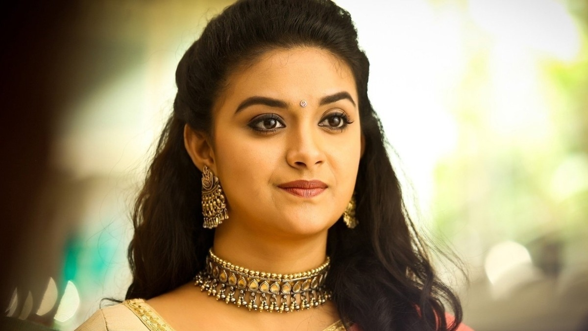 Keerthy Suresh's overly cool dress decision for summer shocks fans – Tamil News