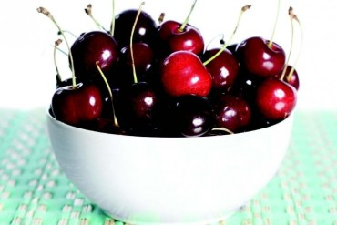 2011-Summer-Oregon-Bounty-Columbia-Gorge-Mt-Hood-Orchard-View-Farms-bowl-of-cherries