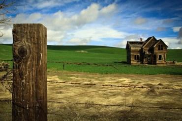 POW_5-4-15_Steve-Mckinzie_Victorian-Farmhouse600x400
