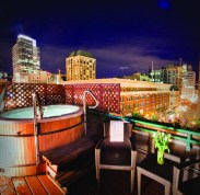 2012-Winter-Oregon-Tours-Portland-Hotel-Vintage-Plaza-jacuzzi