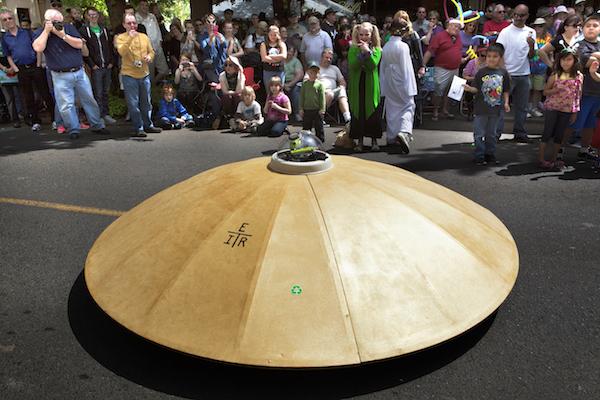 2015_Jul-Aug_Summer-Bucket_McMenamins-UFO_Kathleen-Nyberg_003