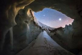 1859_Nov_Dec_2015_Gallery_Ben-Canales_Mt-Hood-Sandy-Glacier