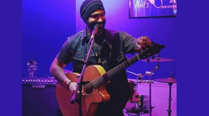 Scott Bravo Acoustic Guitarist
