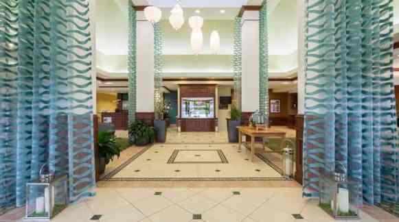 GI_hotellobby01_2_698x390_FitToBoxSmallDimension_Center