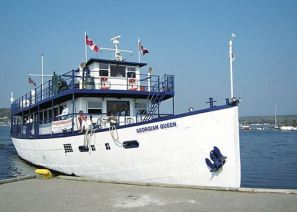 The Georgian Queen was converted from the Murray Stewart and her superstructure was highly modified. She was used for tours on Georgian Bay and was based in Penetang.