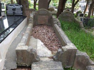 Nellie Wheldon's grave - before photo