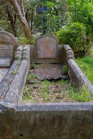 Rflm Thomas White's grave