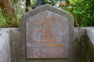 Rflm Thomas White's headstone