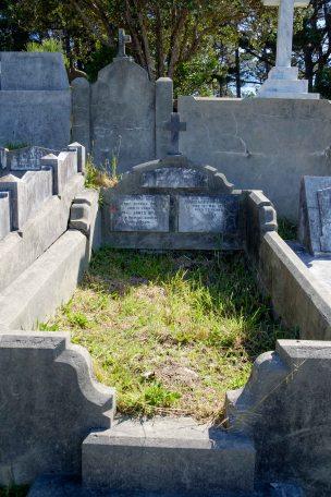 Dora McMillin's grave - before photo