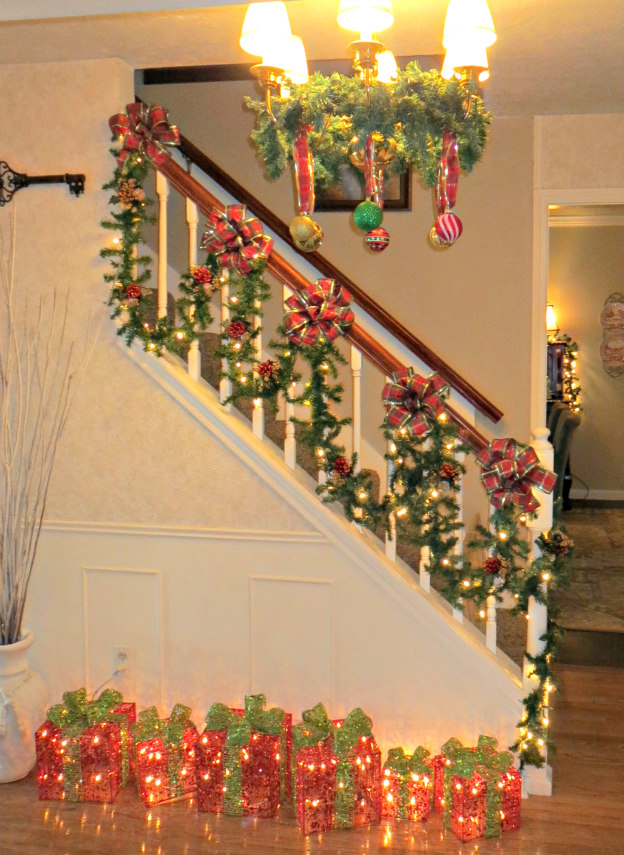 6 Christmas Gender Reveal Decorations Bannister