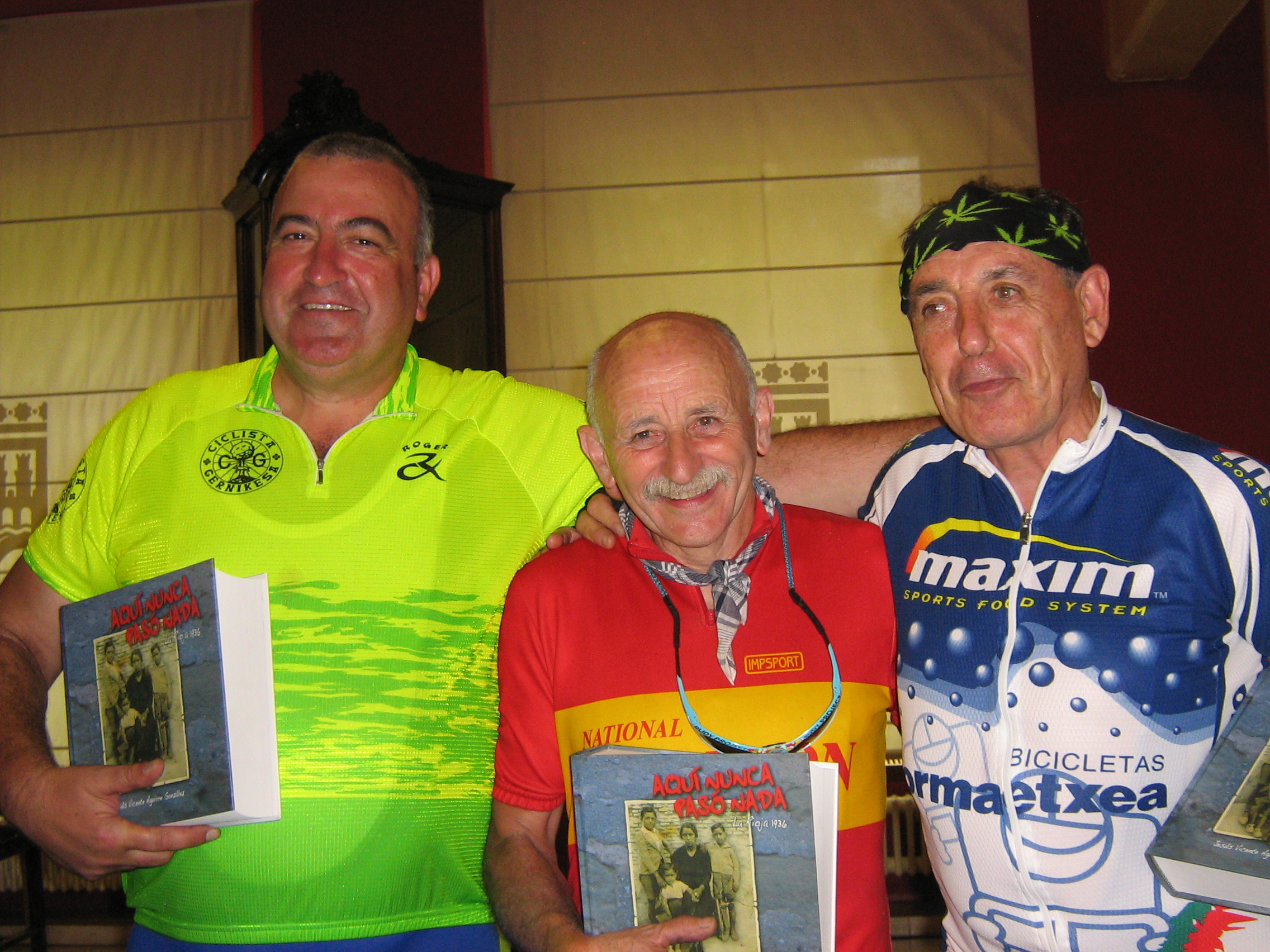 The presidents of the Gernika, Clarion and Legutiano Cycling Clubs at Logrono reception