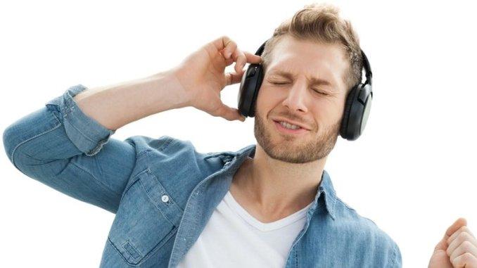 listening_to_music_1_91uGd