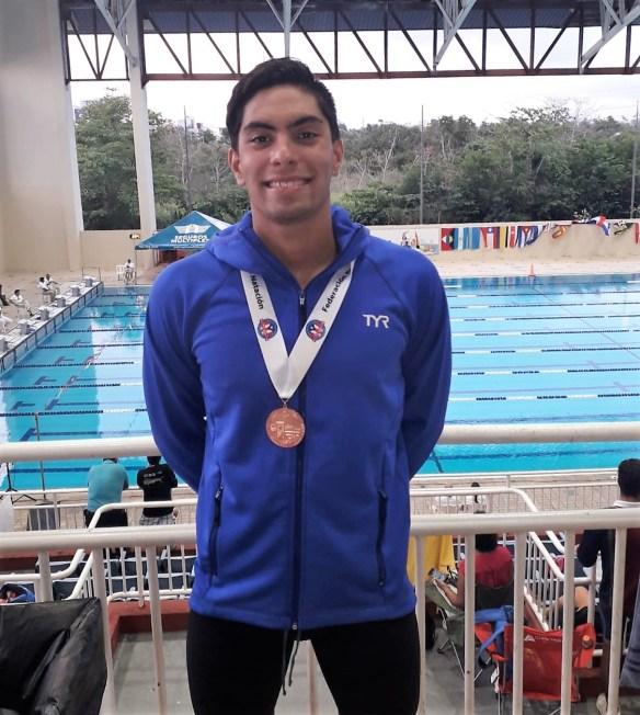 Luis Ramirez medalla de bronce Puerto Rico International Swimming Open 2019