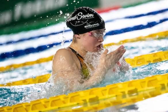 Benedetta Pilato, de 14 años cronometró 30.42 en los 50m p