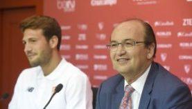 Pepe Castro junto a Vázquez en su presentación
