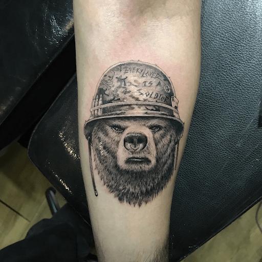 25 eye-catching realistic tattoo