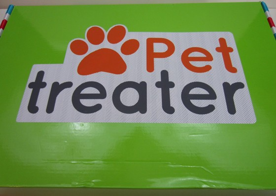 Pet Treater Subscription Box Review December 2015 - box